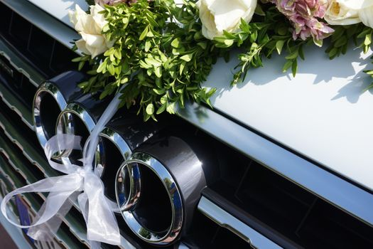 Photo free audi q7 suv, wedding car, flowers