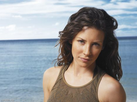 Photo free Evangeline Lilly, green dress, on the coast