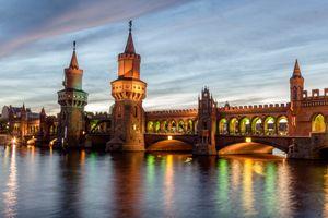 Бесплатные фото Берлин,Германия,Фридрихсхайн-Кройцберг,мост,сумерки,огни