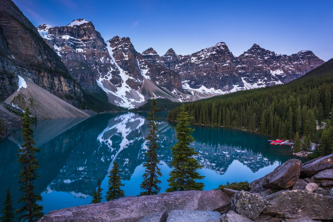 Free photo Lake Moraine, Canada, Lake Moiraine - to desktop