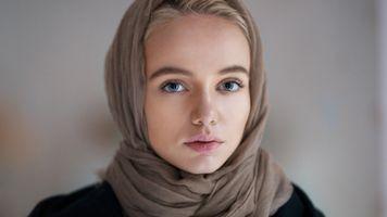 Фото бесплатно розовая помада, голубые глаза, блондинка