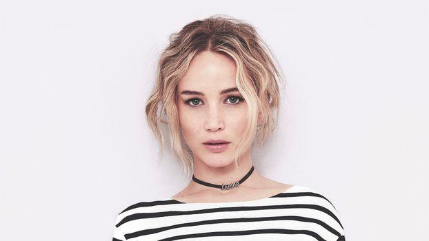 Фото бесплатно Jennifer Lawrence, полосатое платье, знаменитость