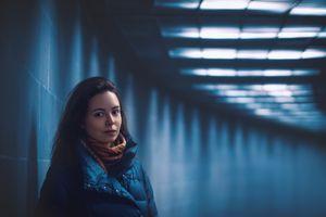 Фото бесплатно Мори, женщина, девушка, портрет, рок, облака, свет, темный, туннель, метро