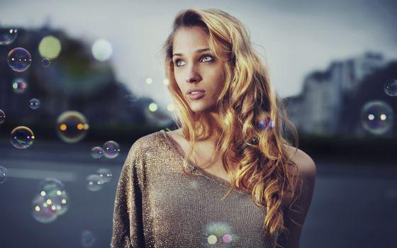Заставки красивая женщина, блондинка, пузыри