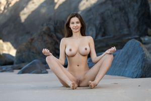 Бесплатные фото alisa i,alisa amore,красотка,голая,голая девушка,обнаженная девушка,позы