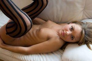 Бесплатные фото Michelle C,модель,красотка,голая,голая девушка,обнаженная девушка,позы