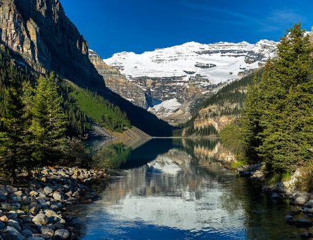 Бесплатные фото Озеро Луиз,Fairview Mountain,Alberta,Lake Louise,Канада,озеро,горы,скалы,деревья,пейзаж