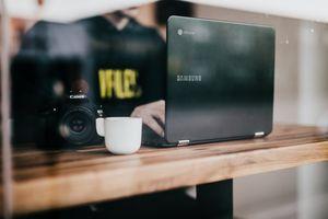 Бесплатные фото бизнес,офис,рабочий стол,окно,кафе,компьютер,технология
