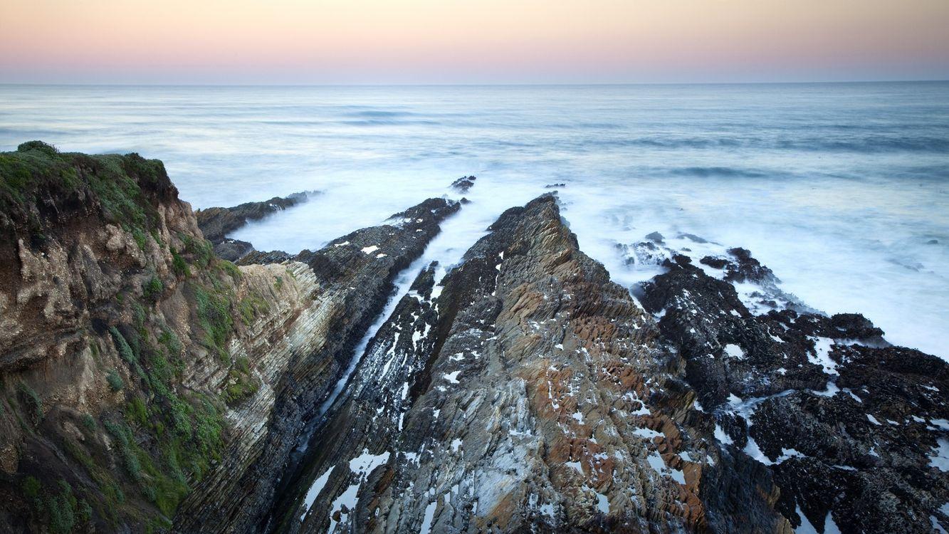Обои океан, скалы, горизонт картинки на телефон