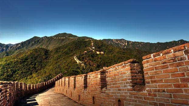 Photo free hills, fortress, clear skies