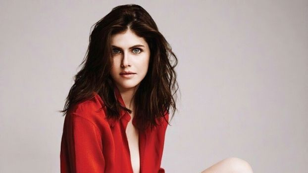 Photo free Alexandra Daddario, red blouse, unbuttoned