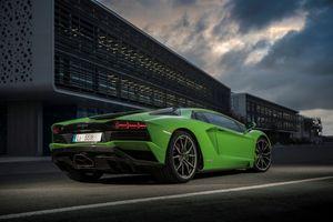 Фото бесплатно Lamborghini Aventador S, зеленый, авто