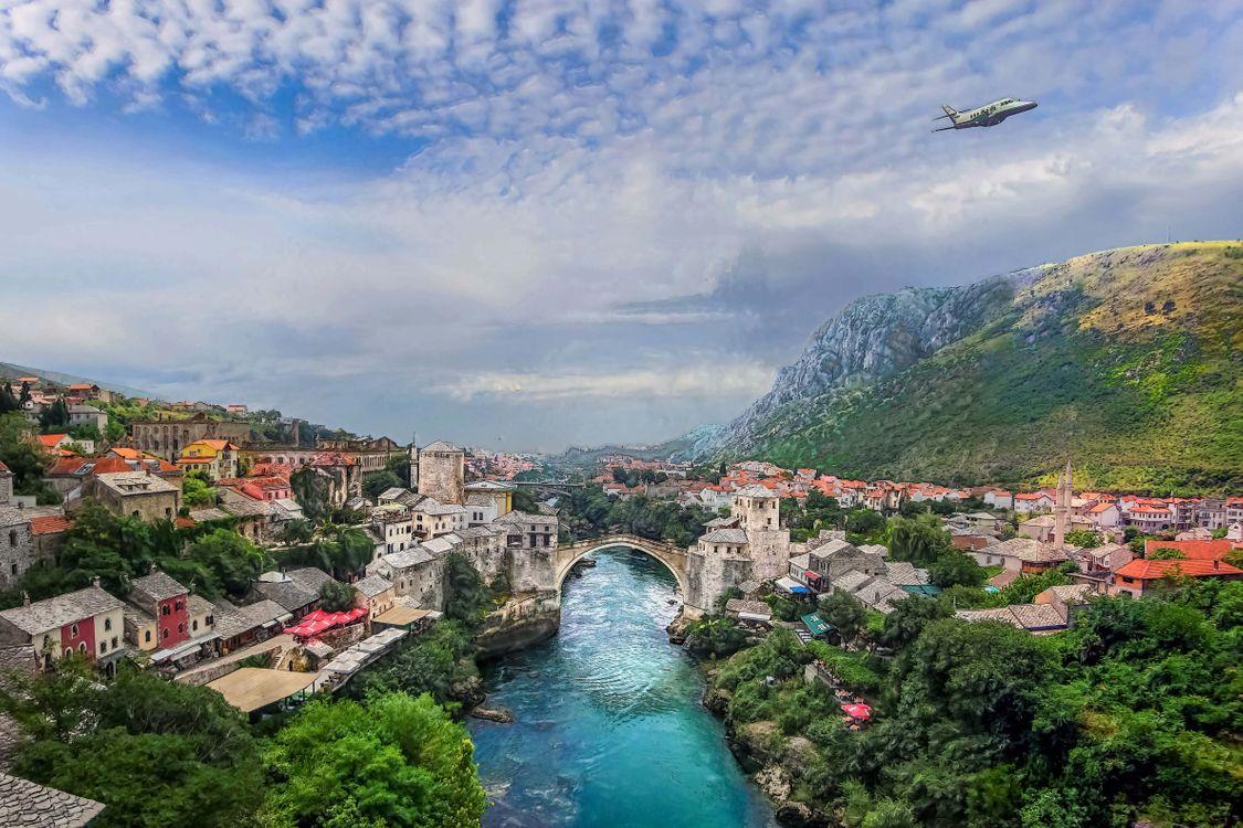 Фото бесплатно Мостар, Босния, Герцеговина, река Неретва, город, дома, мост, небо, деревья, пейзаж, город