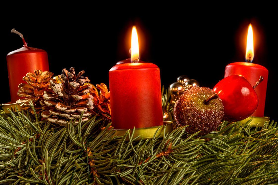 Свечи на рождество · бесплатное фото