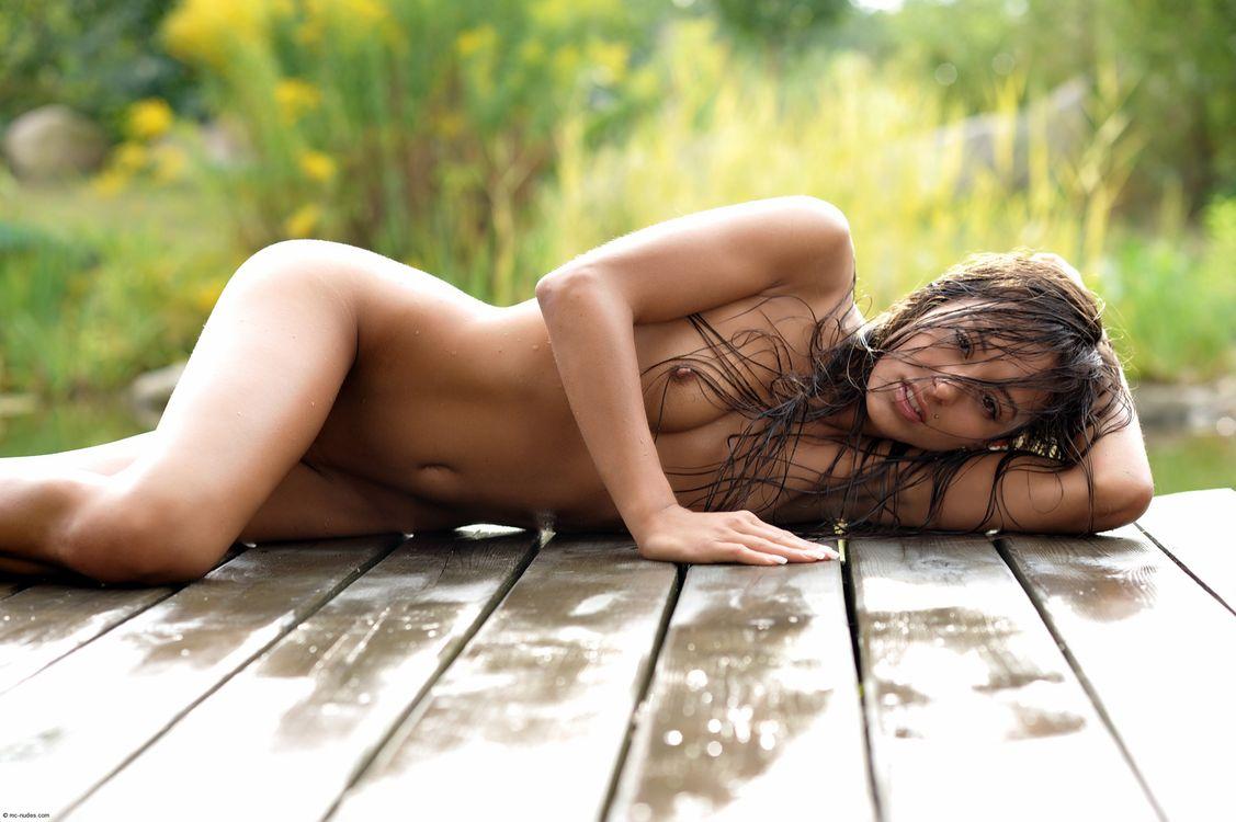 девушка, имеющая красивые девушки фотообои эротика лёг