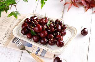 Заставки еда,фрукты,вишня,капли воды