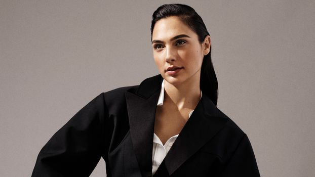 Photo free Gal Gadot, jacket, shirt