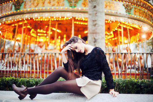 Photo free woman, brunette, park