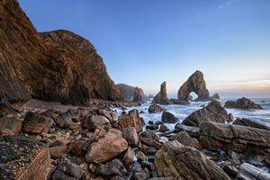 Бесплатные фото Бушмиллс, графство Антрим, Северная Ирландия, Соединенное Королевство, море, скалы, пейзаж