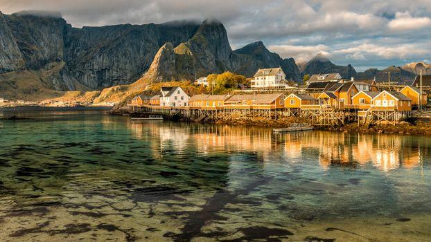 Фото бесплатно побережье, горы, деревня