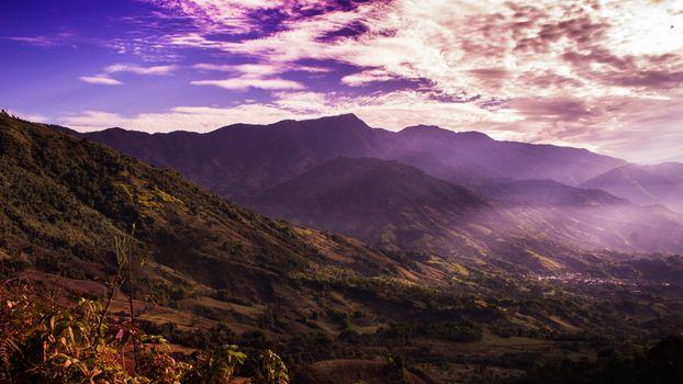 Фото бесплатно горы, облака, солнечные лучи