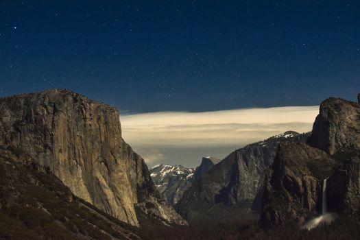 Бесплатные фото горы,пейзаж,облака,лес,водопад