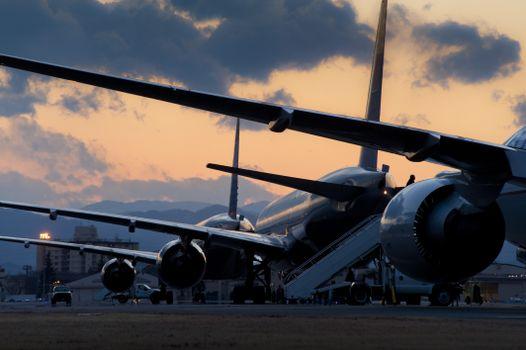 Фото бесплатно закат, аэропорт, самолет
