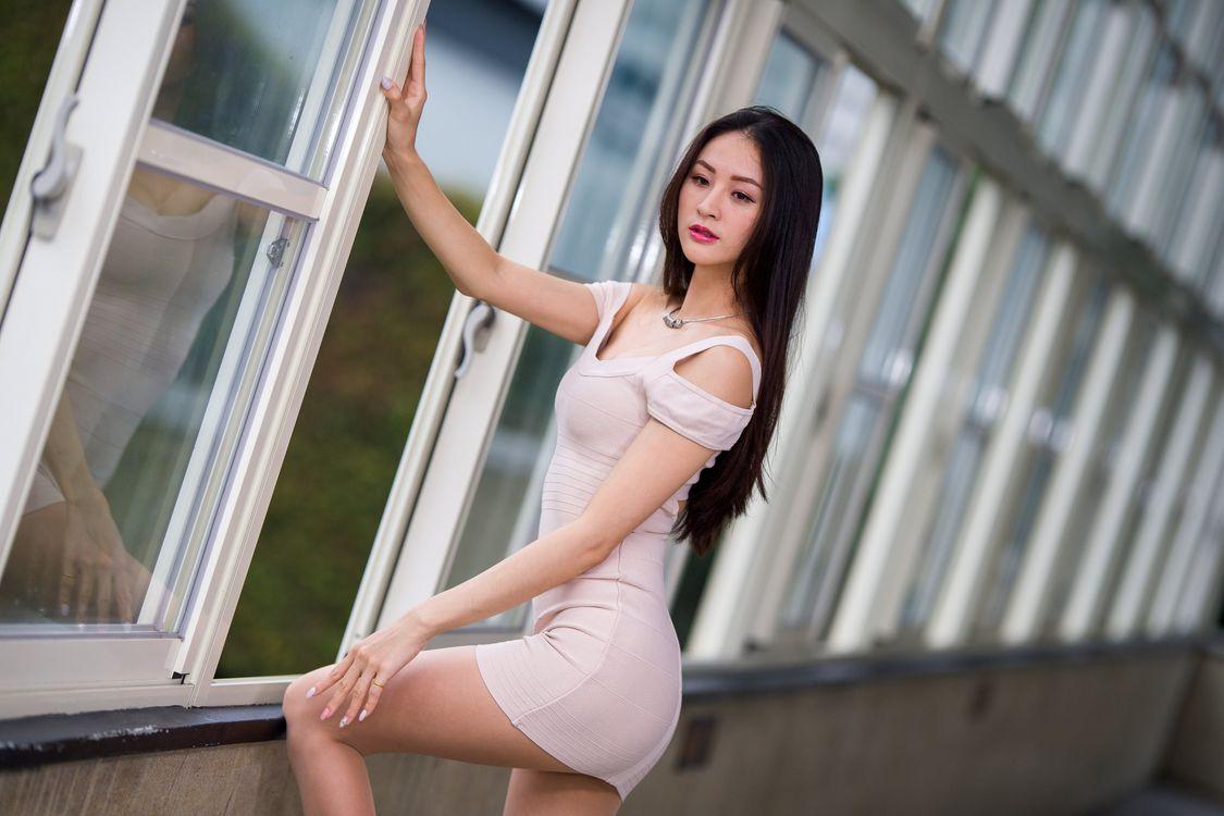 Фото женщина поза азиатка - бесплатные картинки на Fonwall