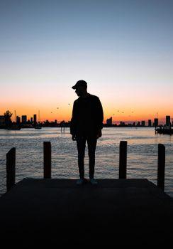Бесплатные фото парень,силуэт,закат,guy,silhouette,sunset