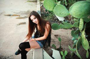 Очаровательная девушка · бесплатное фото
