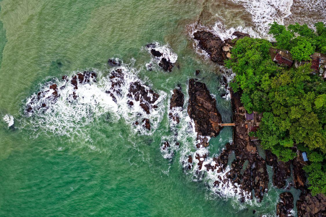Обои вид сверху, океан, волны картинки на телефон