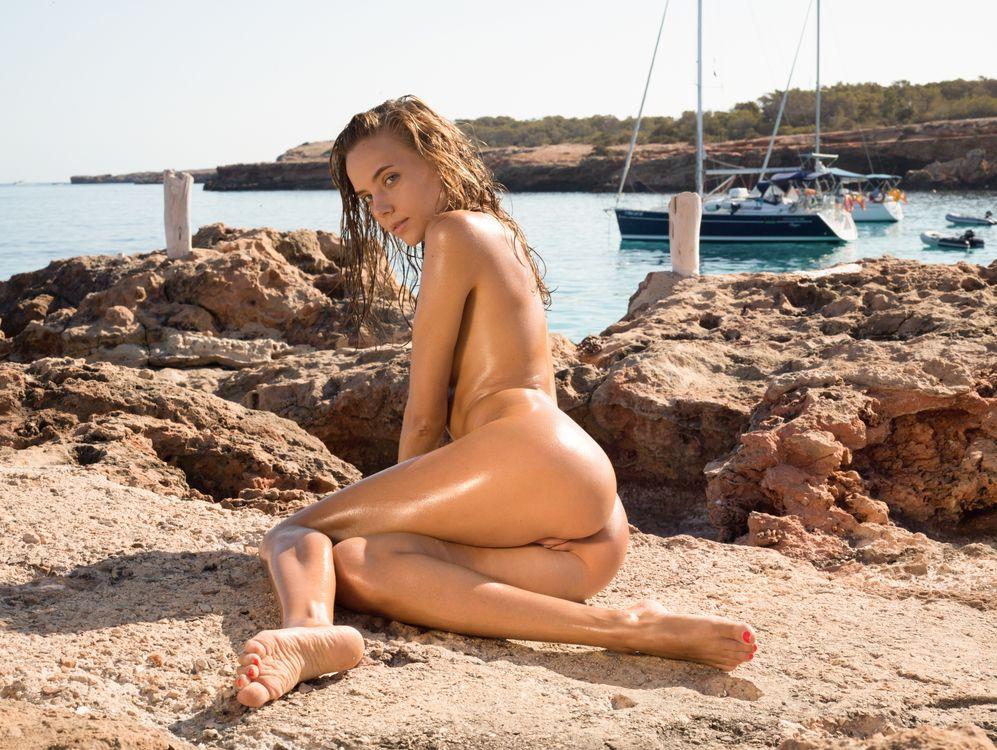 Обои katya clover, клевер, манго, карамель, манго a, пляж, голый, парусник, загорелый, смазанный маслом, киска, половые губы, задница, hi-q, море на телефон   картинки эротика
