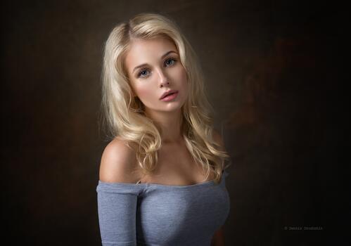 Фото бесплатно обои блондинка, модель, голые плечи