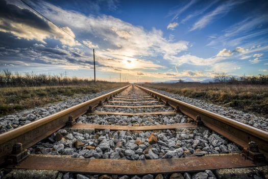 Photo free lighting, railroad tracks, field