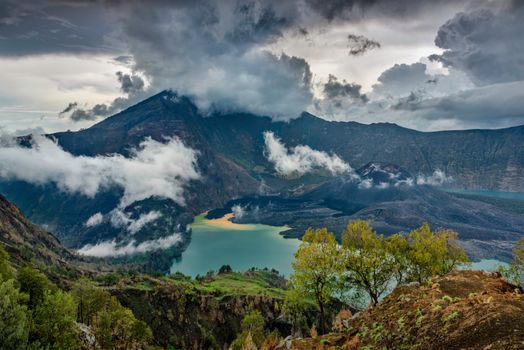 Photo free Mount Rindjani, West Nusa Tengara, active volcano