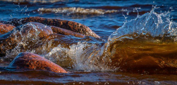 Заставки воды,Всплеск,волна,камень,берег,море,Размышления,Солнечный лучик,океан,небо