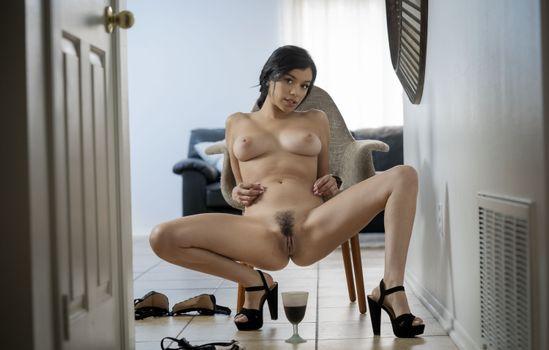 Фото бесплатно Саванна Сикс, обувь, подстриженная киска