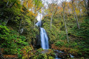 Заставки осень, лес, скалы, водопад, природа, деревья