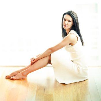 Photo free women, long hair, white dress