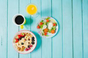 Заставки завтрак, кофе, сок, салат, мюсли, ягоды