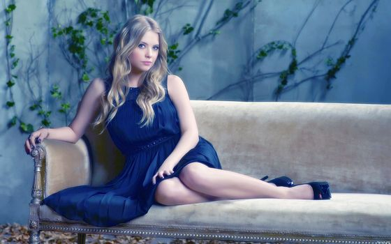Photo free actress, sofa, couch
