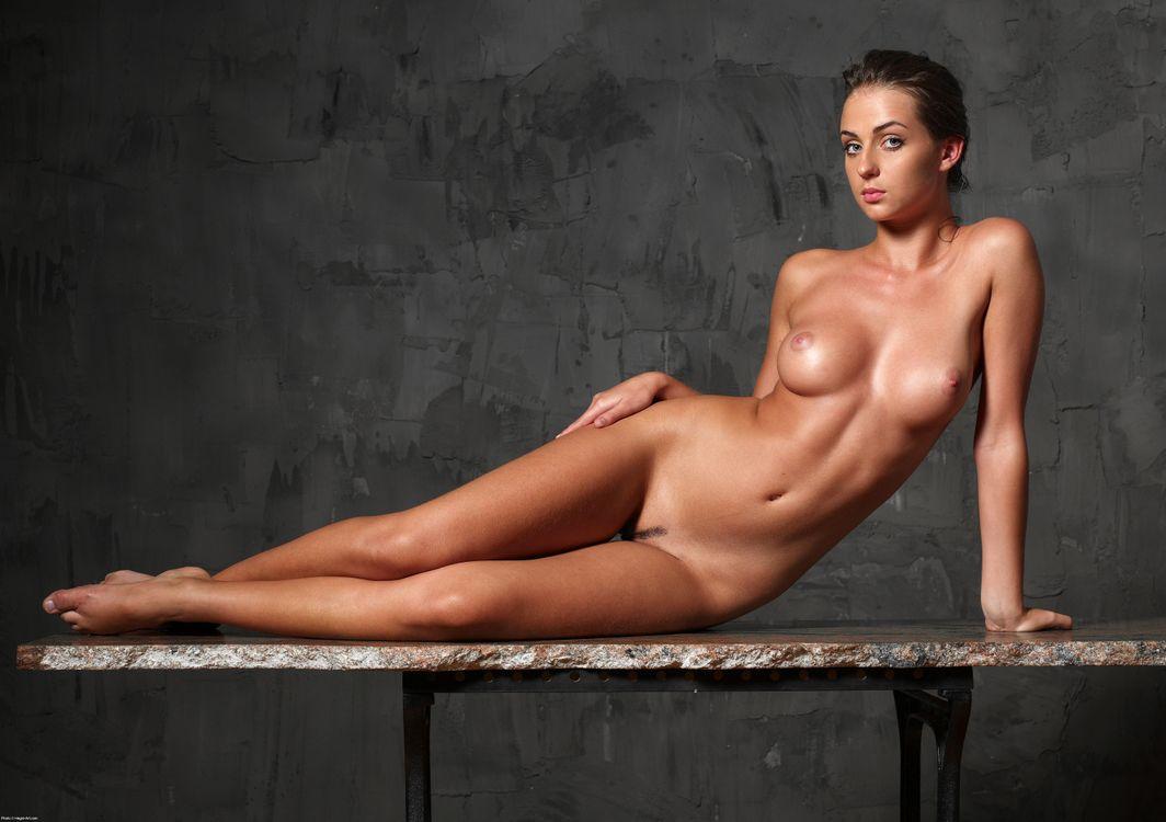 foto-smotret-erotiku-zvezd-foto-eto-lesbiyanka