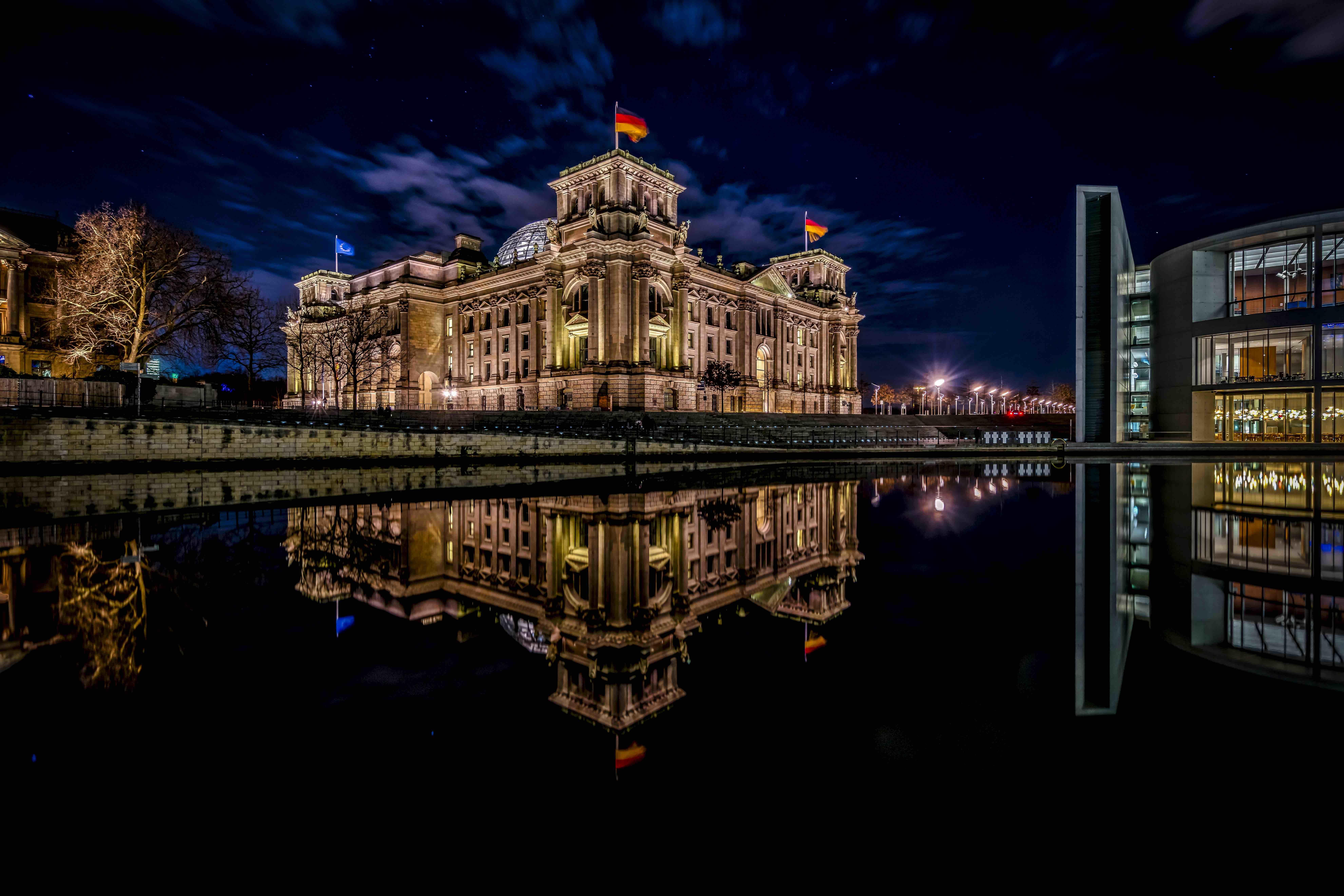 Берлин, Рейхстаг, Германия, ночь
