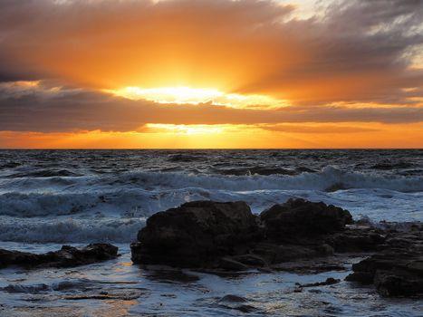 Заставки Морнингтон, Виктория, Австралия, закат солнца, горные породы, пена, волны, море, закат, пейзаж