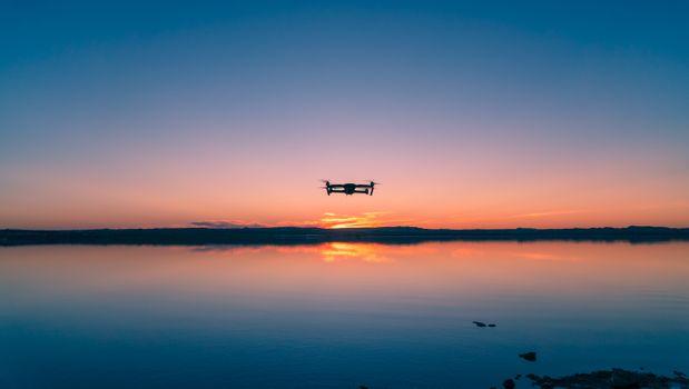 Фото бесплатно квадрокоптер, небо, горизонт