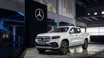 Photo free Mercedes-Benz X-class, a pickup, a new SUV