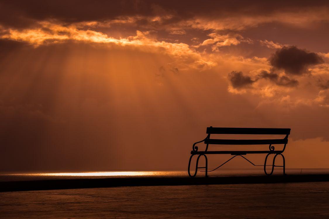 Фото бесплатно скамья, закат, небо, облака, bench, sunset, sky, clouds, пейзажи