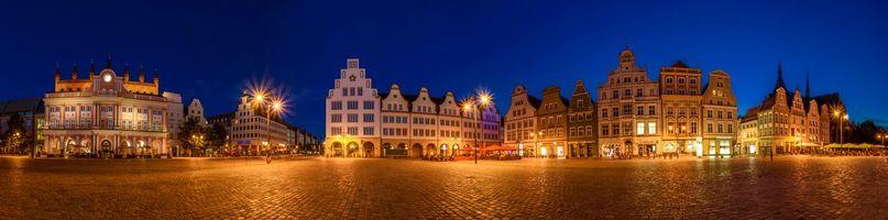 Заставки Мекленбург-Передняя Померания, Германия, Ратуша, ночь, уличные фонари, панорама