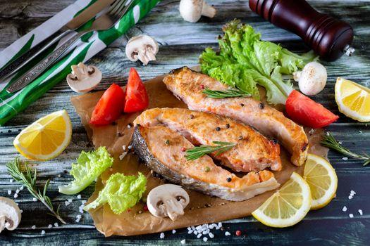 Жареный лосось · бесплатное фото