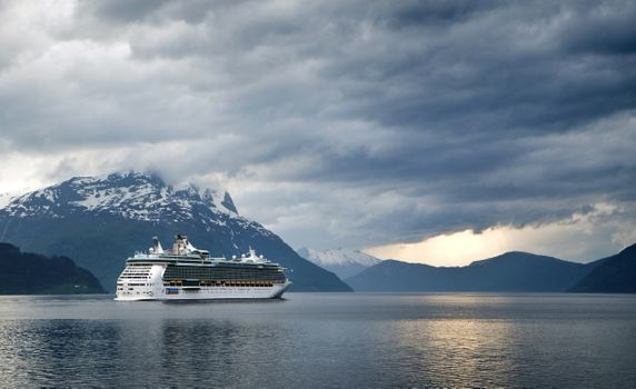 Фото бесплатно море, горы, корабль
